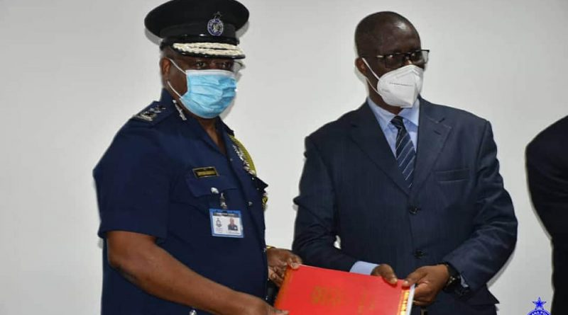 Police Sign MoU with UCC to train Investigators.